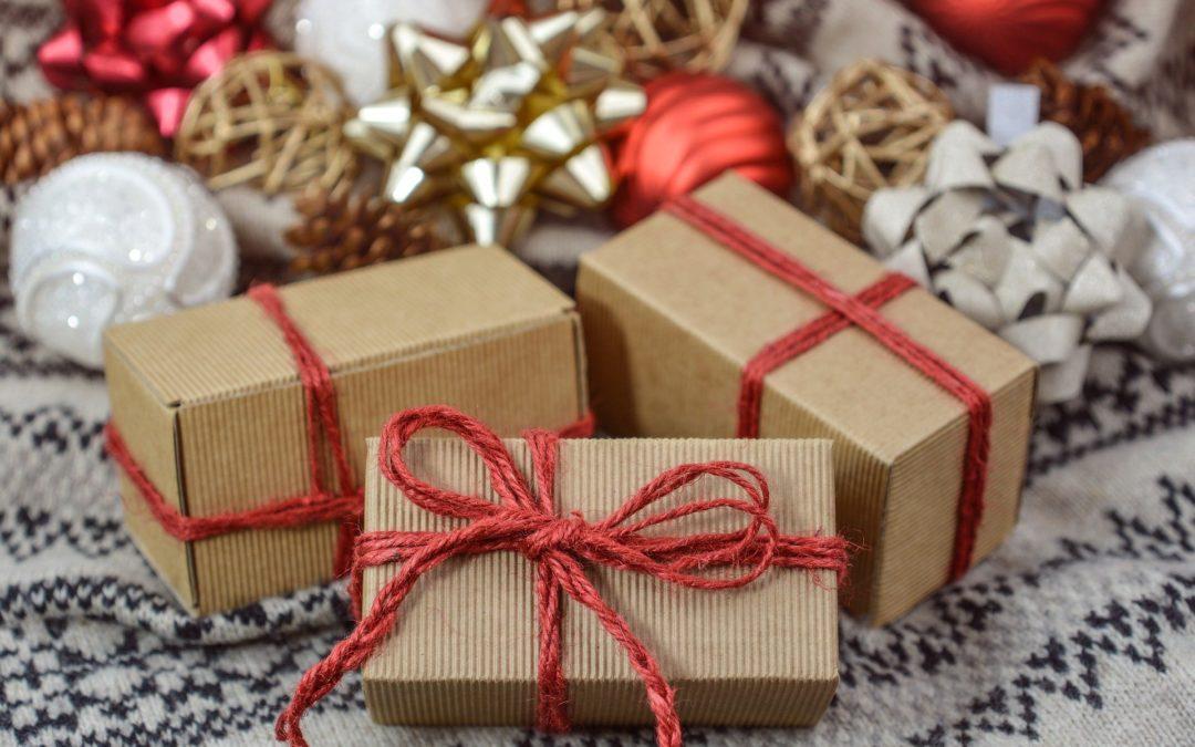 Trois idées de cadeaux à offrir à un ami philatéliste